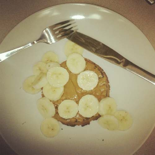 Waffles w/ Trader Joe's Cookie Butter + Sliced Bananas